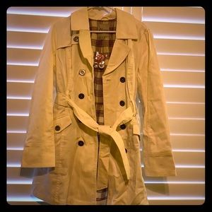 Cream color Guess jacket